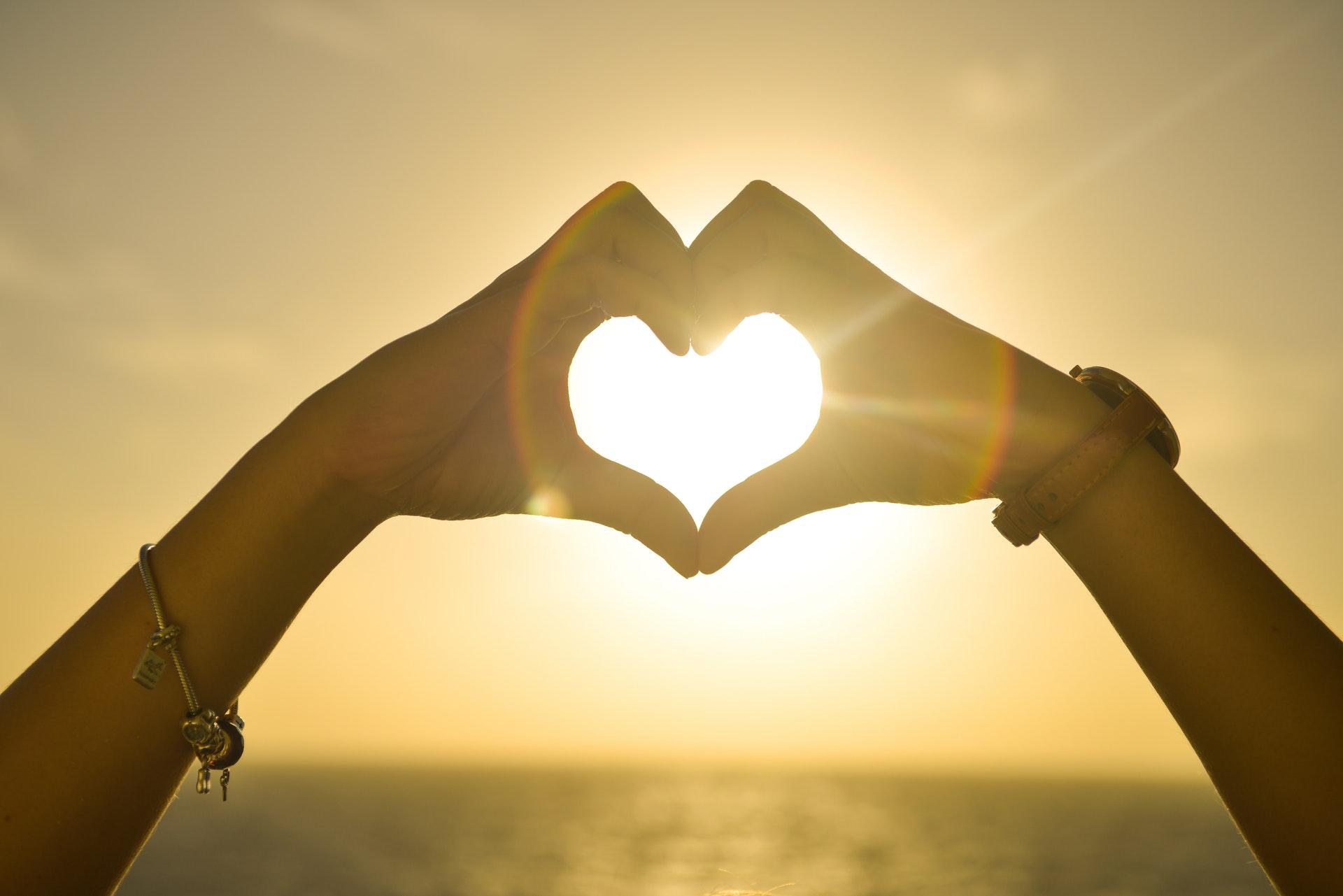 Noticēt mīlestībai